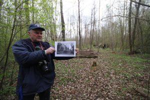 Владимир Богданов на захоронении около деревни Можейки Поставского района