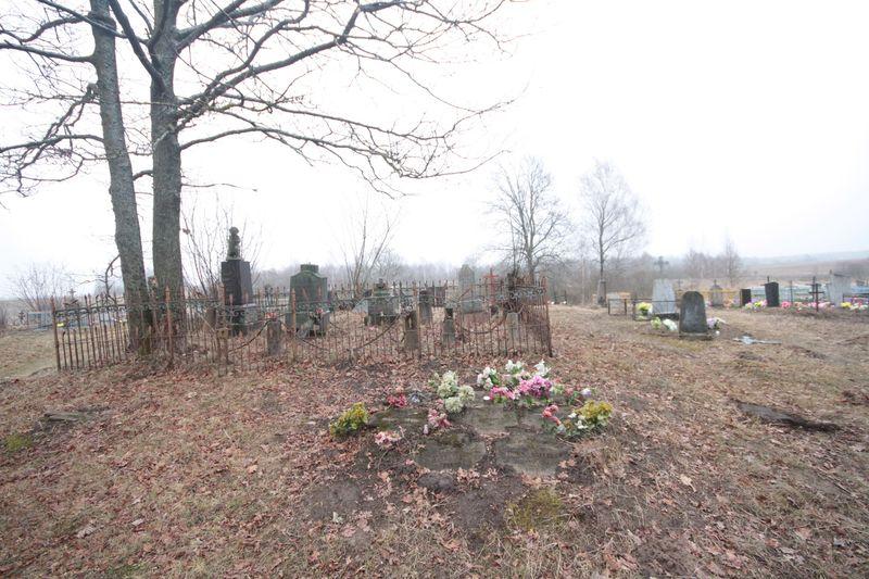Немецкие могилы на гражданском кладбище в деревне Оцковичи Поставского района-2